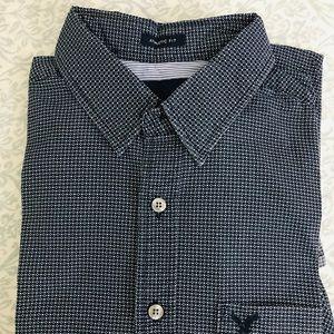 Men's American Eagle shirts- Athletic Fit- Medium